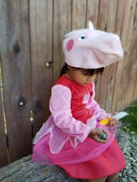 Peppa Pig Halloween: Costume + Cookie + Candy Review 1