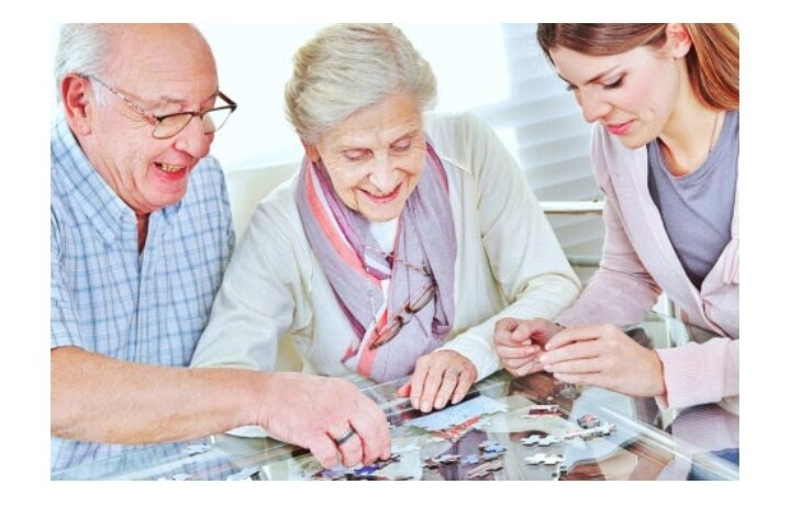 6 Ways Jigsaw Puzzles For Adults Can Boost Seniors' Brain Health 3